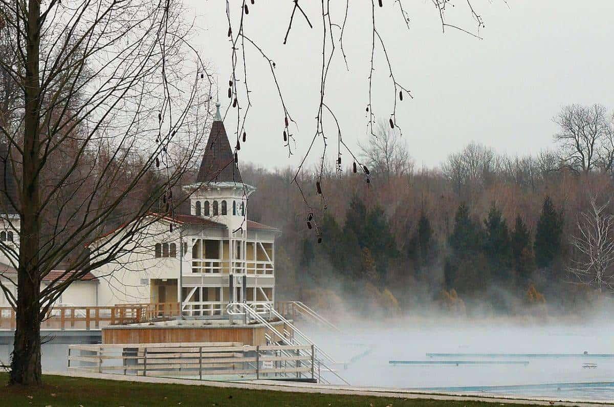 lake heviz in winter